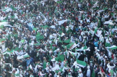 supporters-algerie-tribune